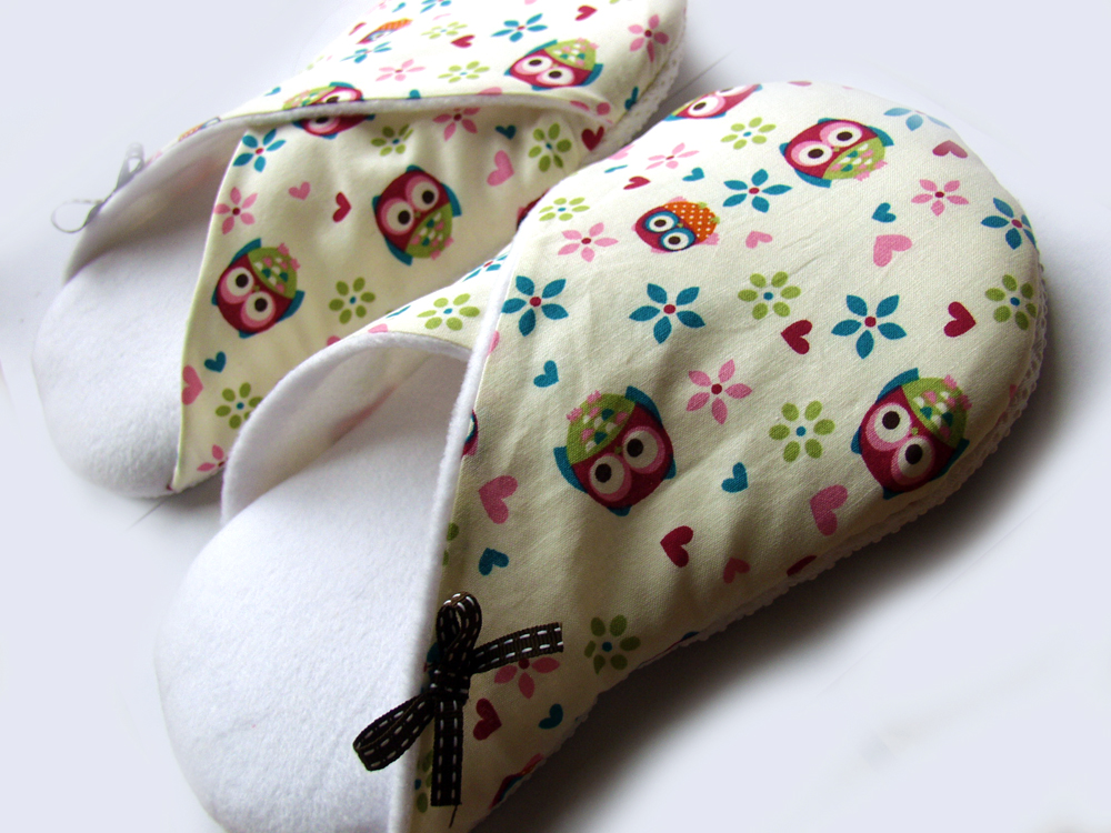Women Slippers, Hoot Owls and Flowers